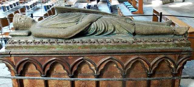 Надгробные памятники — история появления