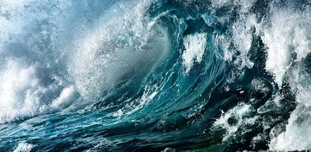 Прибой морской волны во сне — толкование сонника
