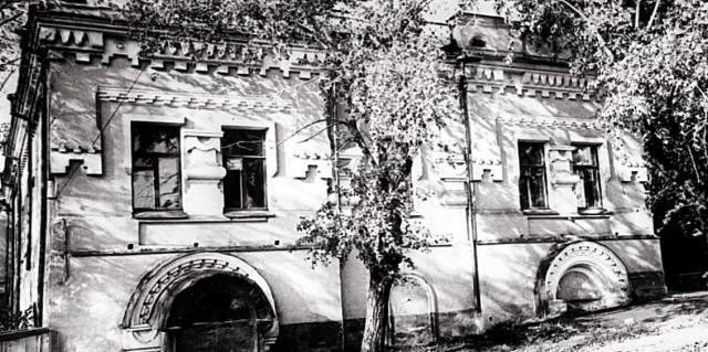 Расстрел в доме Ипатьева - как появились самозванцы Романовых?
