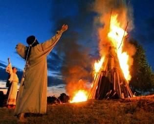 Фото: ритуалы с огнём в день летнего солнцестояния
