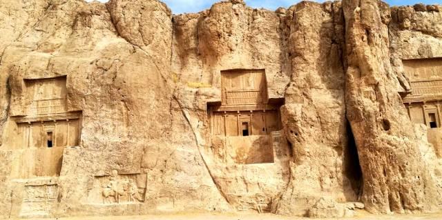 Долина царей Персии Накше-Рустам