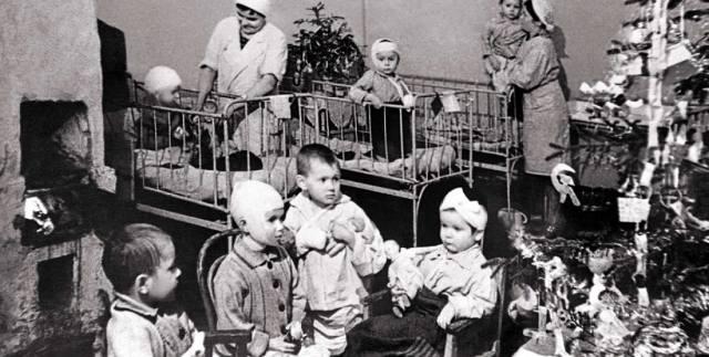Как отмечали праздники в блокадном Ленинграде?