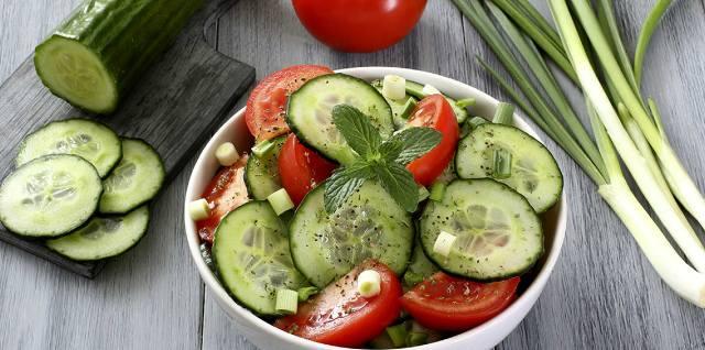 Диета с огурцами и помидорами