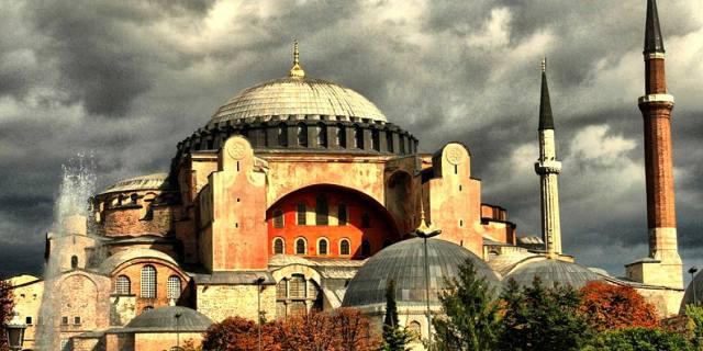 Почему Святая София опять стала мечетью?